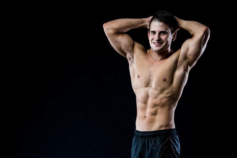 筋肉もりもり 男性